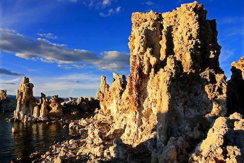 Sidelight-Mono Lake