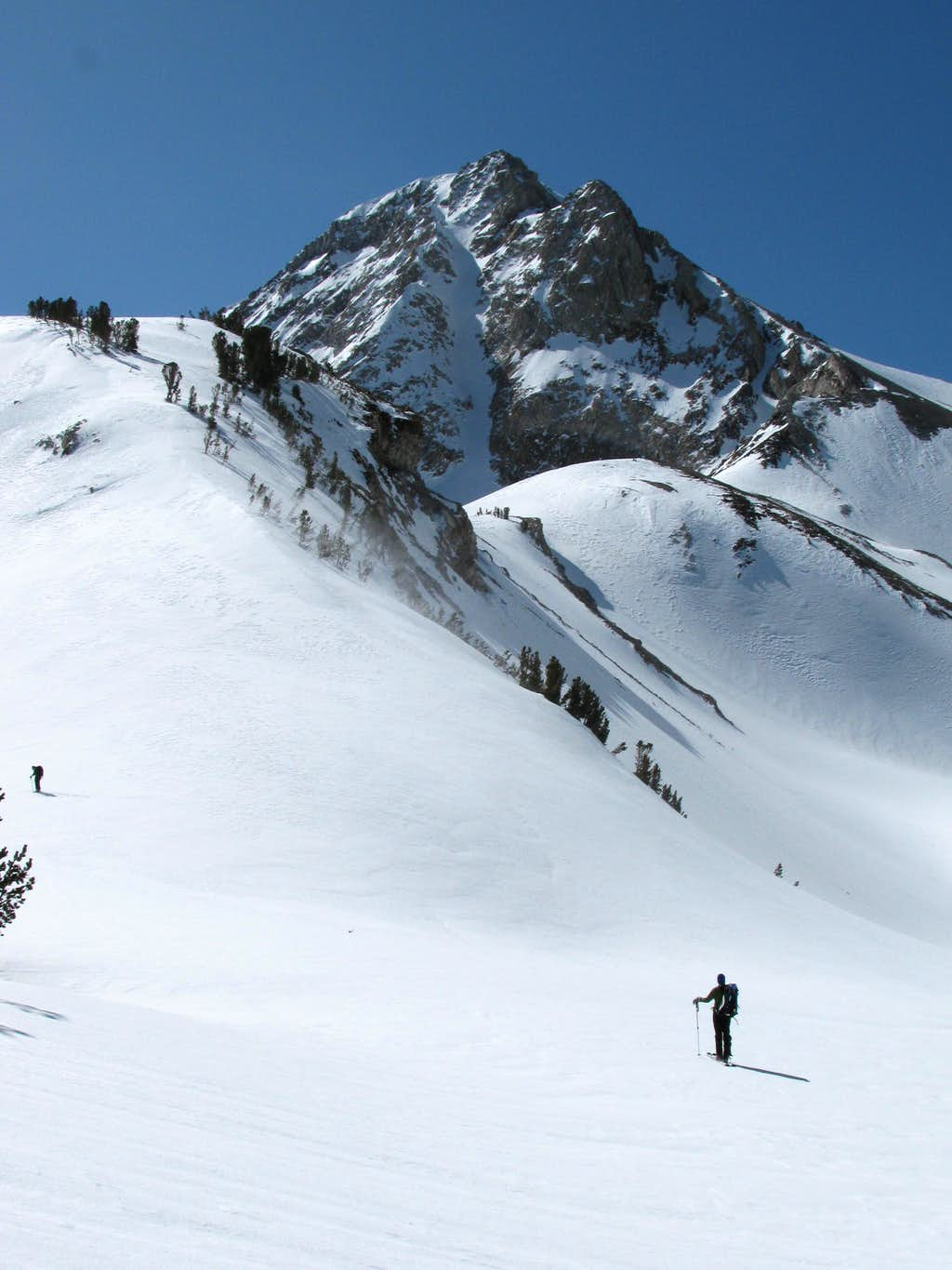 North Couloir to the Red Slate Mountain.