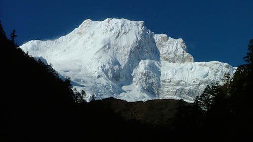 Ngadi Chuli / Peak 29 (7871m)