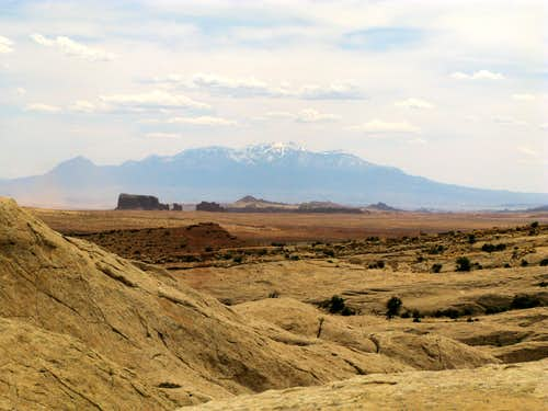 Desert Buttes and Henry Mountains