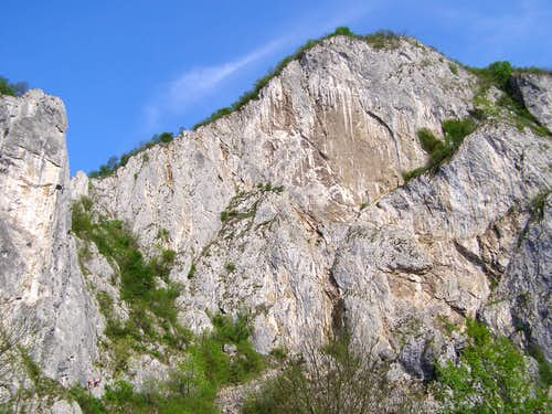Craciunesti main  wall