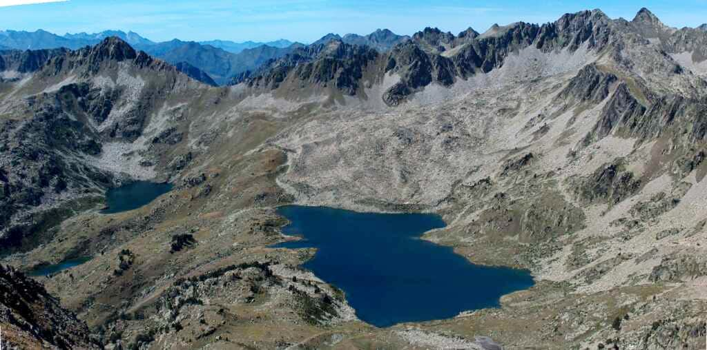 The Port Bielh lake, and the top of the Peak of Bastan