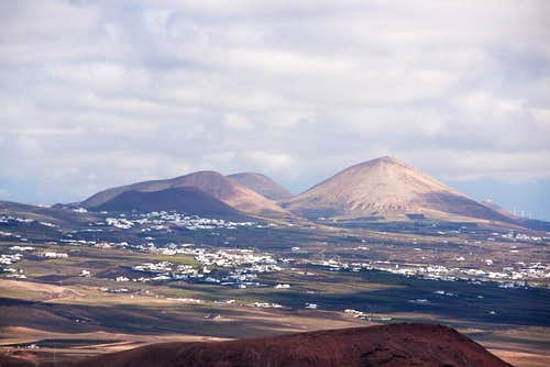 Montaña Tersa and Montaña Blanca