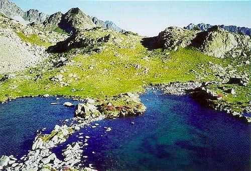 The 2 small lakes of Arrédoun
