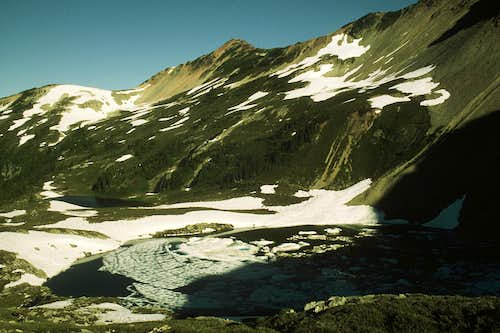 Red Face Mountain and Tapto Lakes Basin