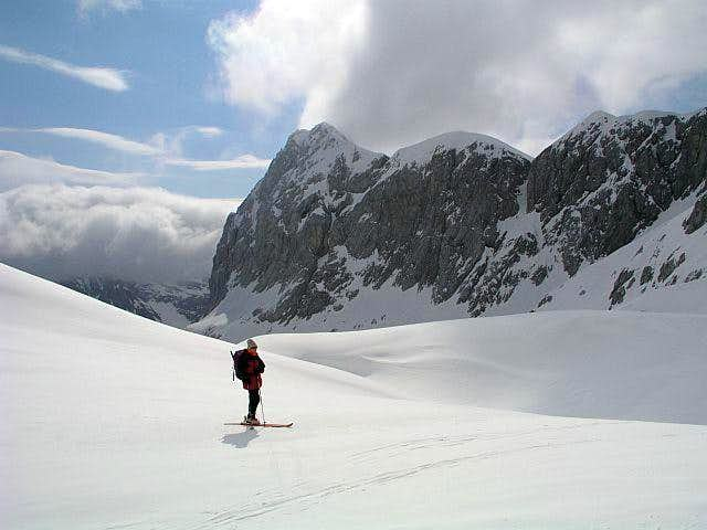 On the traverse from Dolic...