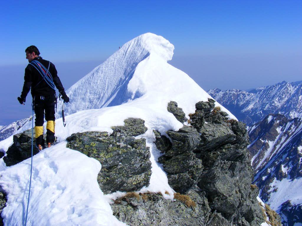 Vanatoarea lui Buteanu 2507m, Fagaras, Romania