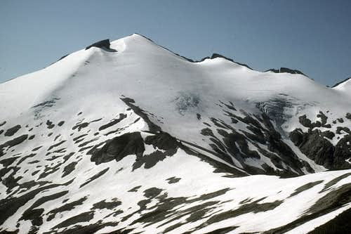 North Ridge leading to Ruth Mountain