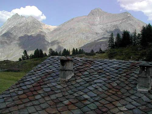 View above the roof of the Casa Reale di Caccia di Orvieille