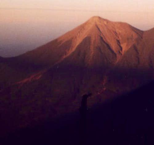 Volcán de Fuego from Volcán...