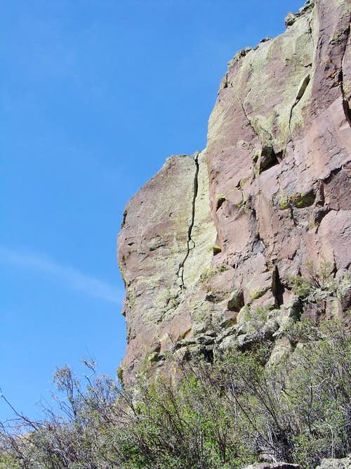 Nice splitter crack on Cerro Pedernal