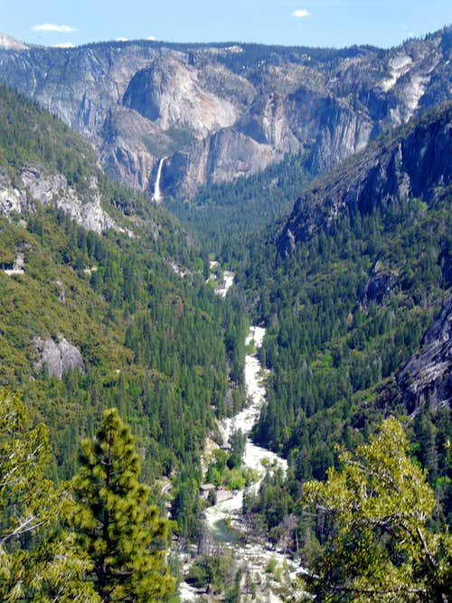 Bridalveil Falls and Merced River