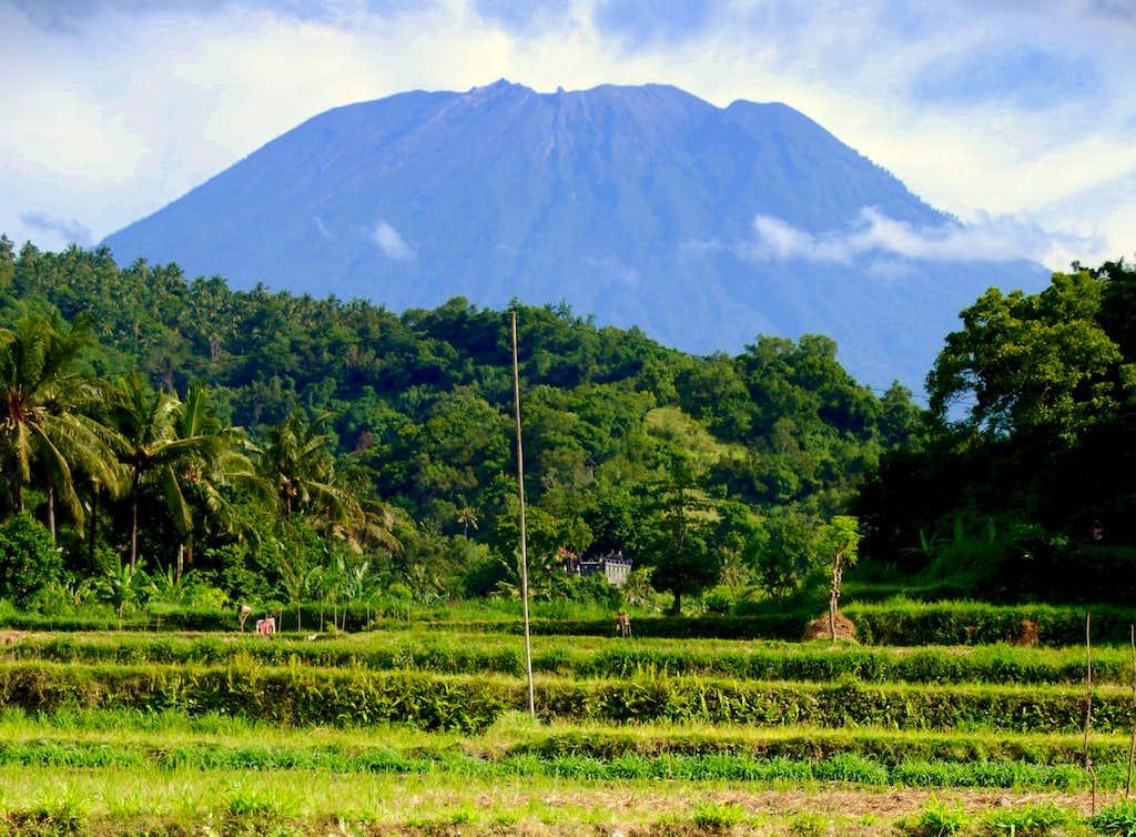 Gunung Agung (3142m)