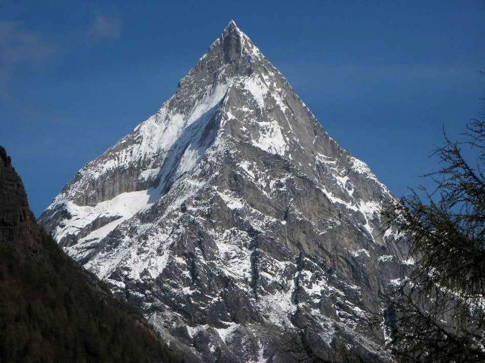 Celestial Peak, a perfect mountain form : Photos, Diagrams & Topos ...