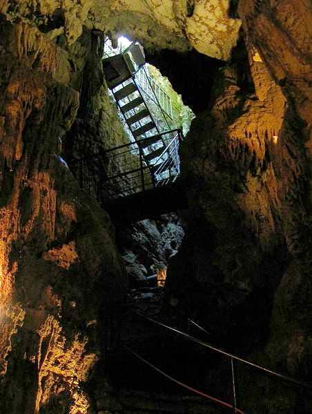 Entrance/exit of Baredine cave