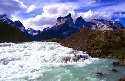 Salto Rio Paine