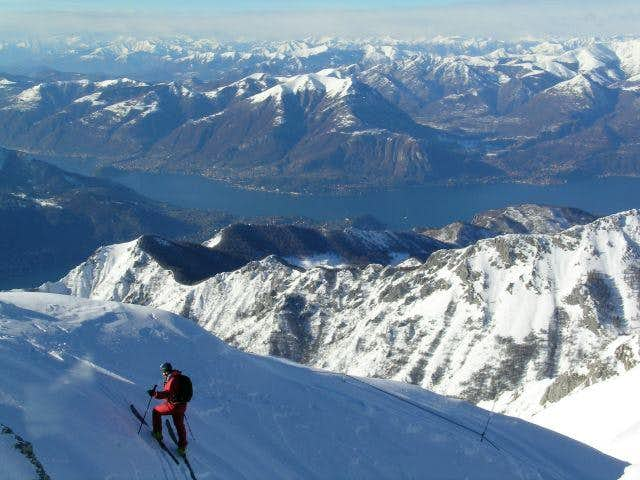 10/January/2004 - Skiing to...
