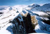 The ridge of the Castillo Mayor