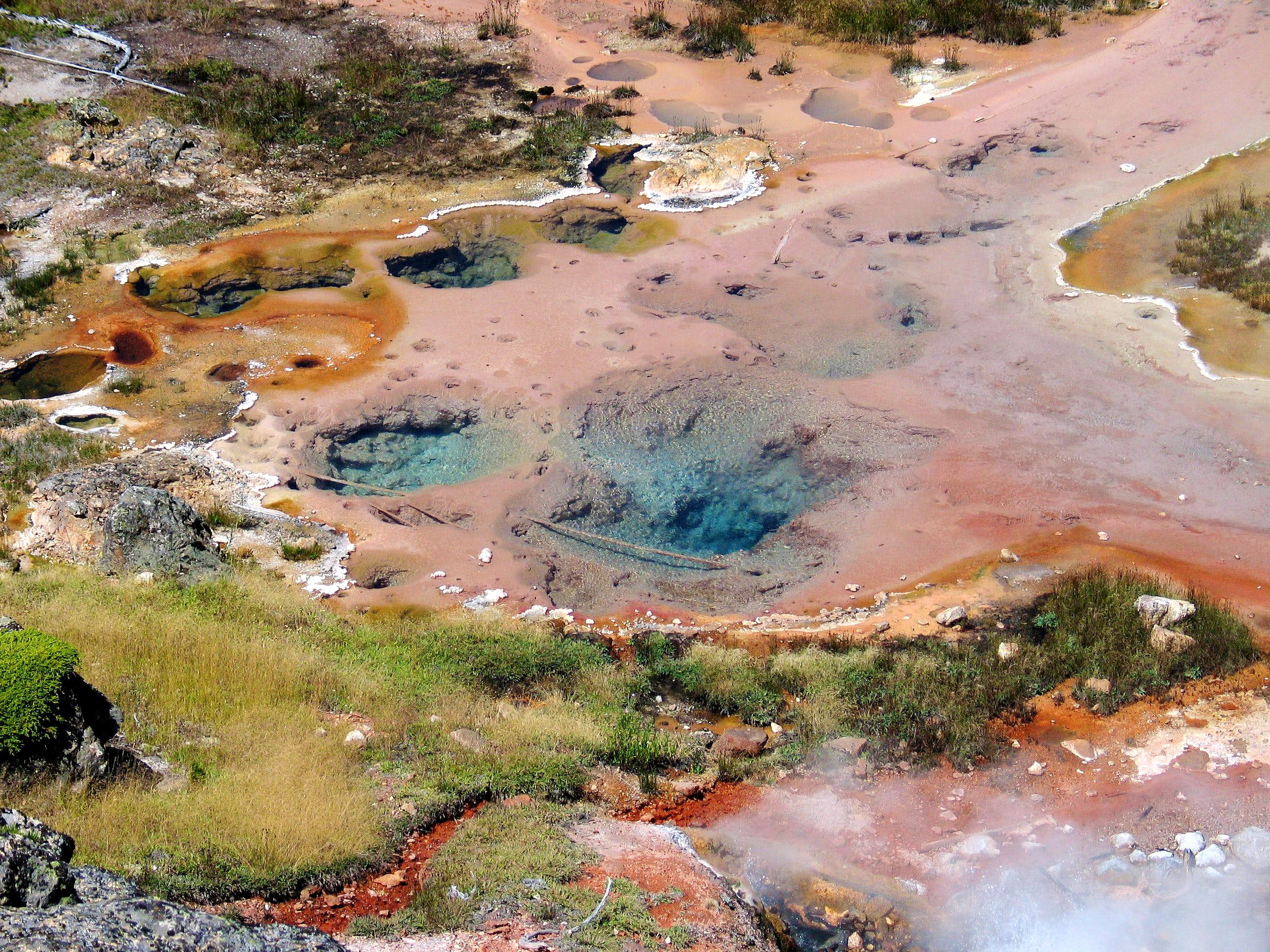Artists\' Paintpots - Yellowstone