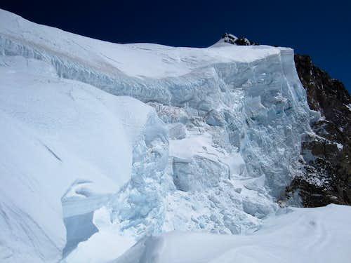 Tahoma ice cliff