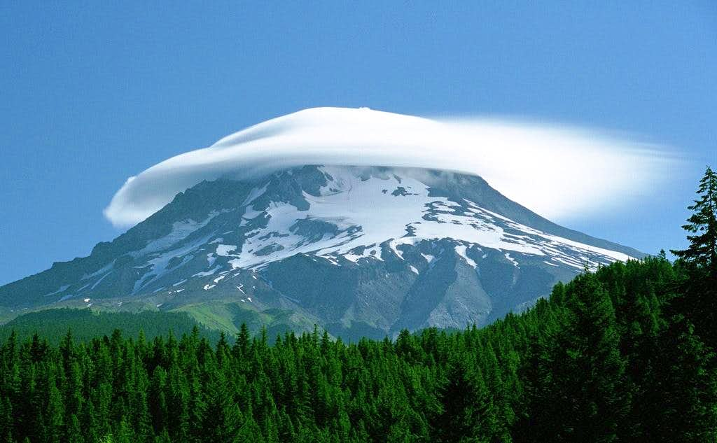 Mt. Hood lenticular cloud