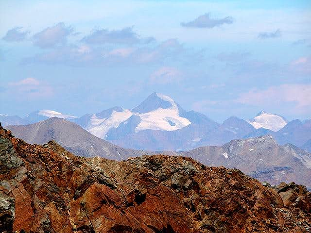 Weisskugel (3739m) in 40km...