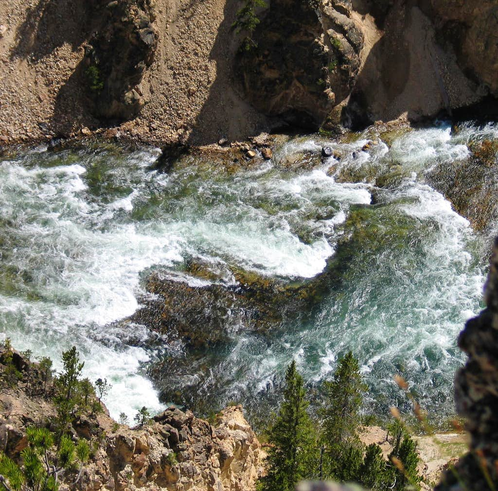Yellowstone Grand Canyon - Turbulent Waters