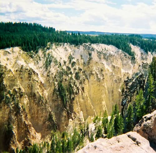 Grand Canyon of the Yellowstone - View of South Rim