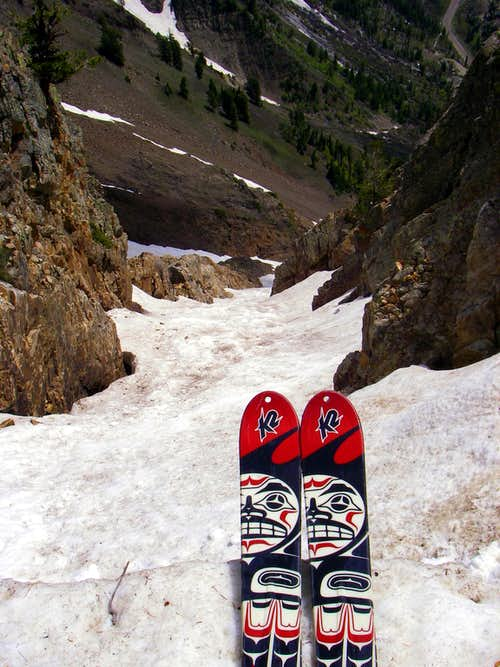 Skiing the Suicide Chute