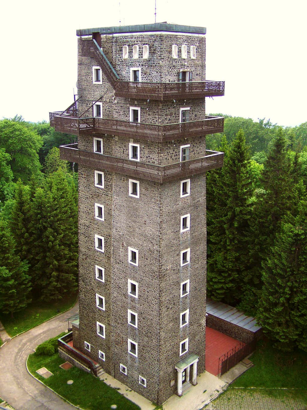 The old tower as seen from the new TV-tower on Kékes