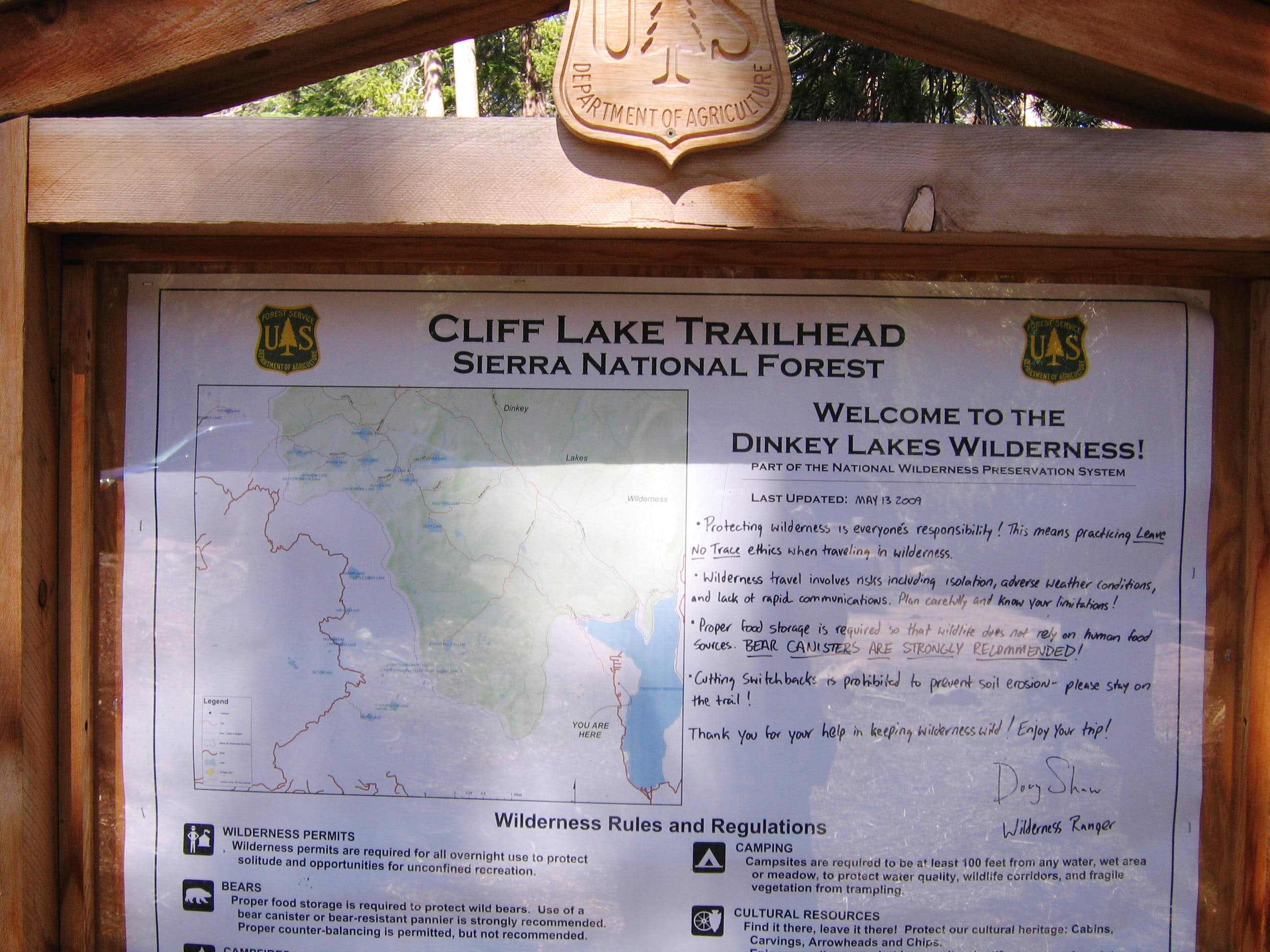 Cliff Lake Trailhead - Dinkey Lakes Wilderness