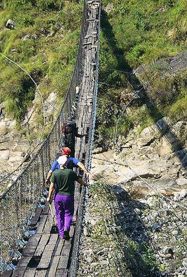 Manaslu Trek, suspension bridge