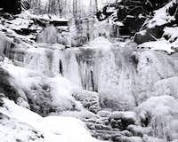 waterfall under smrk