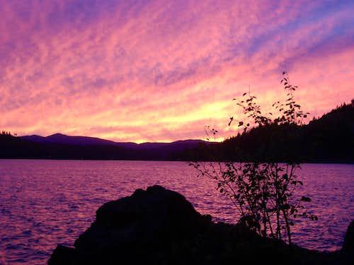 Lake Coeur d' Alene on fire