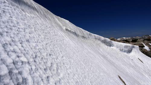 An ridge with snow
