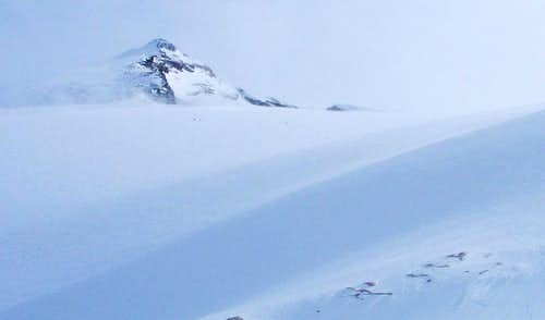 Blanket Mountain from West - skiers on glacier