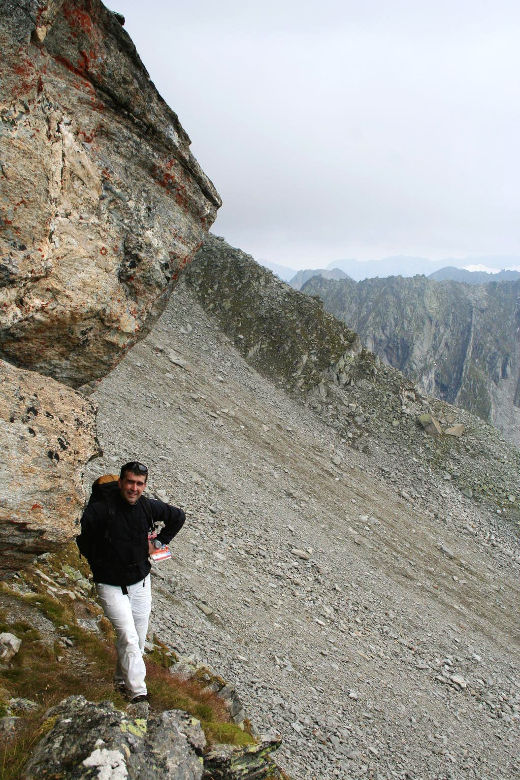 There are some overhanging rocks on Rauhkofel - but no need to climb them