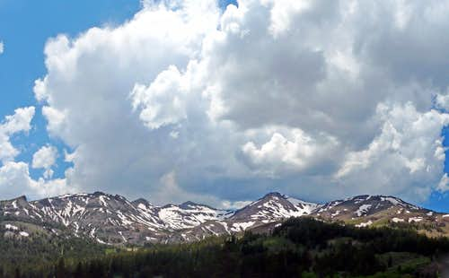 Sierra Crest just south of Sonora Pass