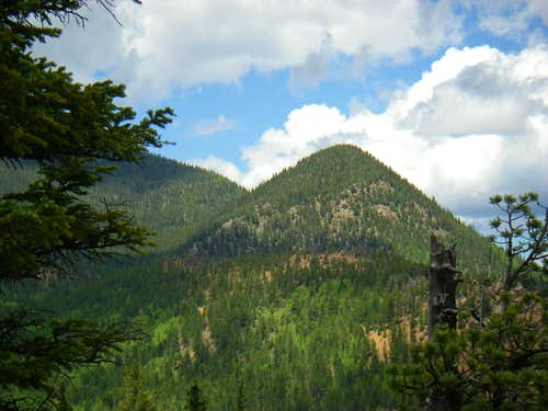 Runs-down-fast Mountain