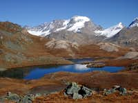 Fall colours on Laghi Tre...
