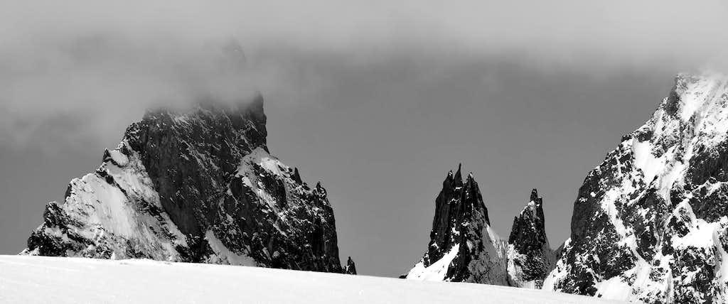 Views of Aiguille Noire de Peuterey