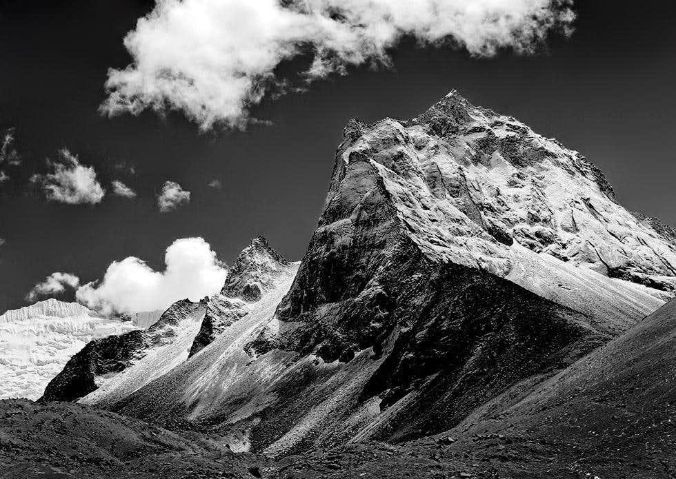 Amphu Gyabjen (5630m)