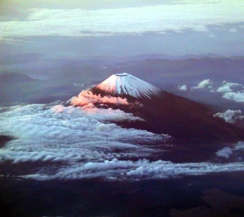 Alpenglow on Mt Fuji