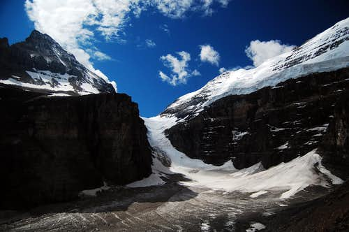 Valley of the 6 Glaciers