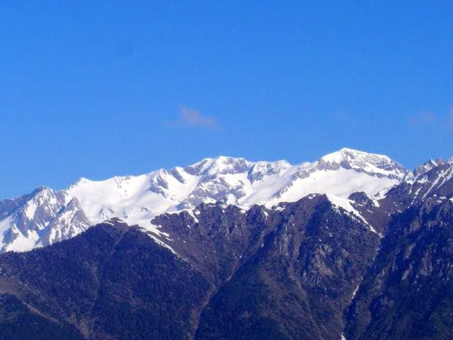 The massif of Pico Posets...