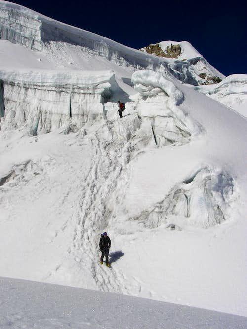 Climbers getting down, Ishinka