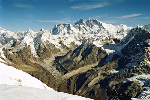 Great overview of Everest,...