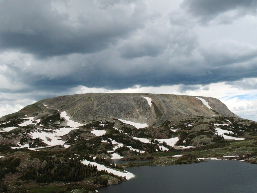 Browns Peak and Lewis Lake