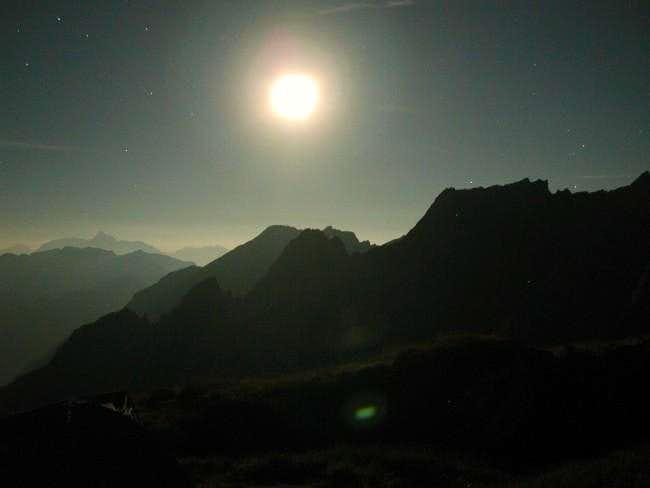 Night on the summit of Mont Crammont...