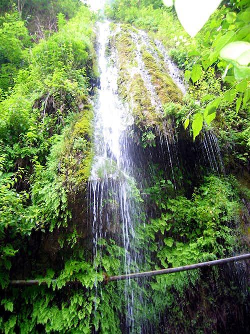 Side Waterfall, Lower Canyon